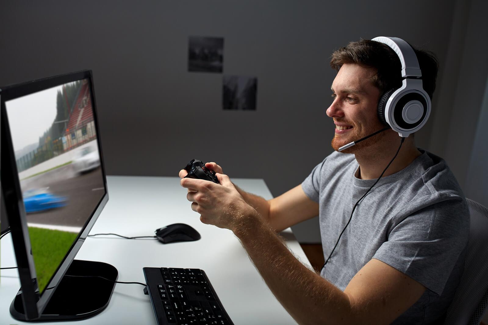 bigstock-technology-gaming-entertainm-125893763-1 - MASKULIN