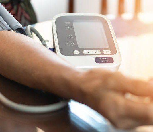 Jangan Silang Kaki Semasa Duduk, Ini Antara Pantang Larang Orang Tekanan Darah Rendah