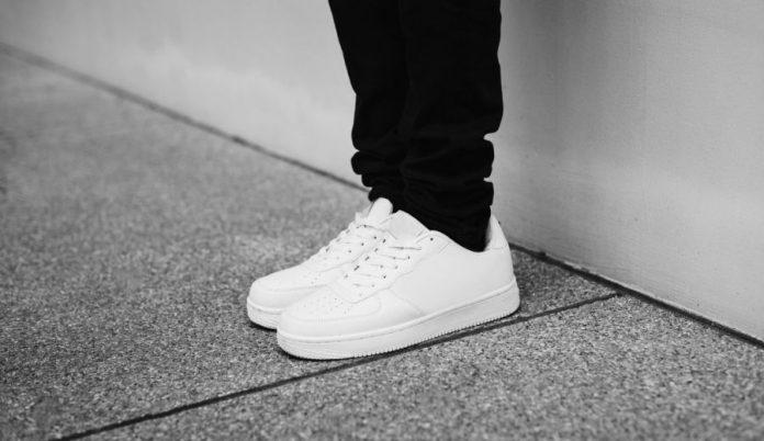 sneakers nampak baru