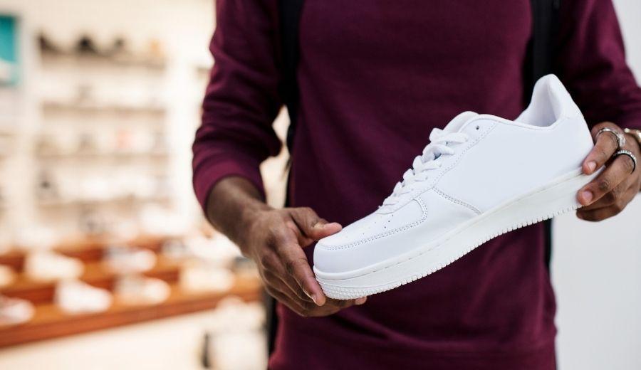 sneakers baru beli