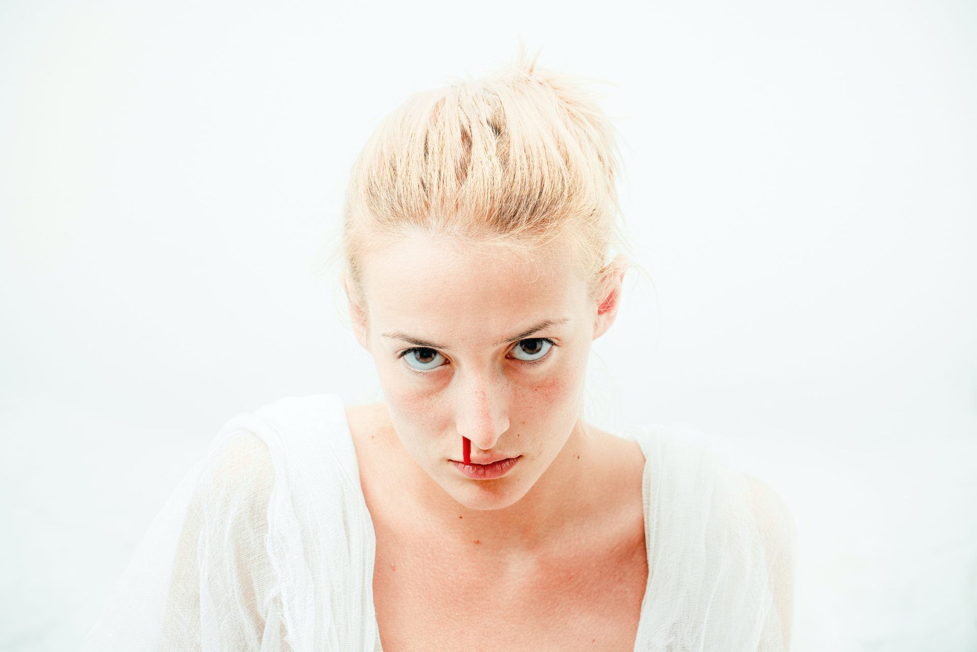Udara Yang Terlampau Sejuk Atau Kering Punca Pendarahan Hidung, Ini Cara Rawatannya