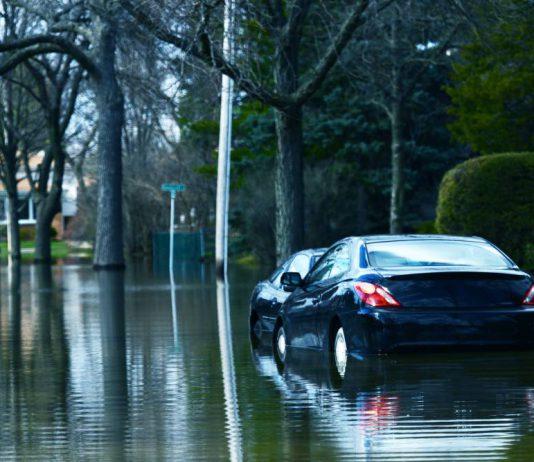 elak parking hujan